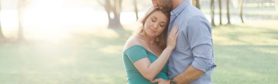 Rustic Maternity Session – Westchase